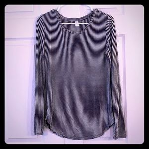 Old navy luxe striped black and white long sleeve